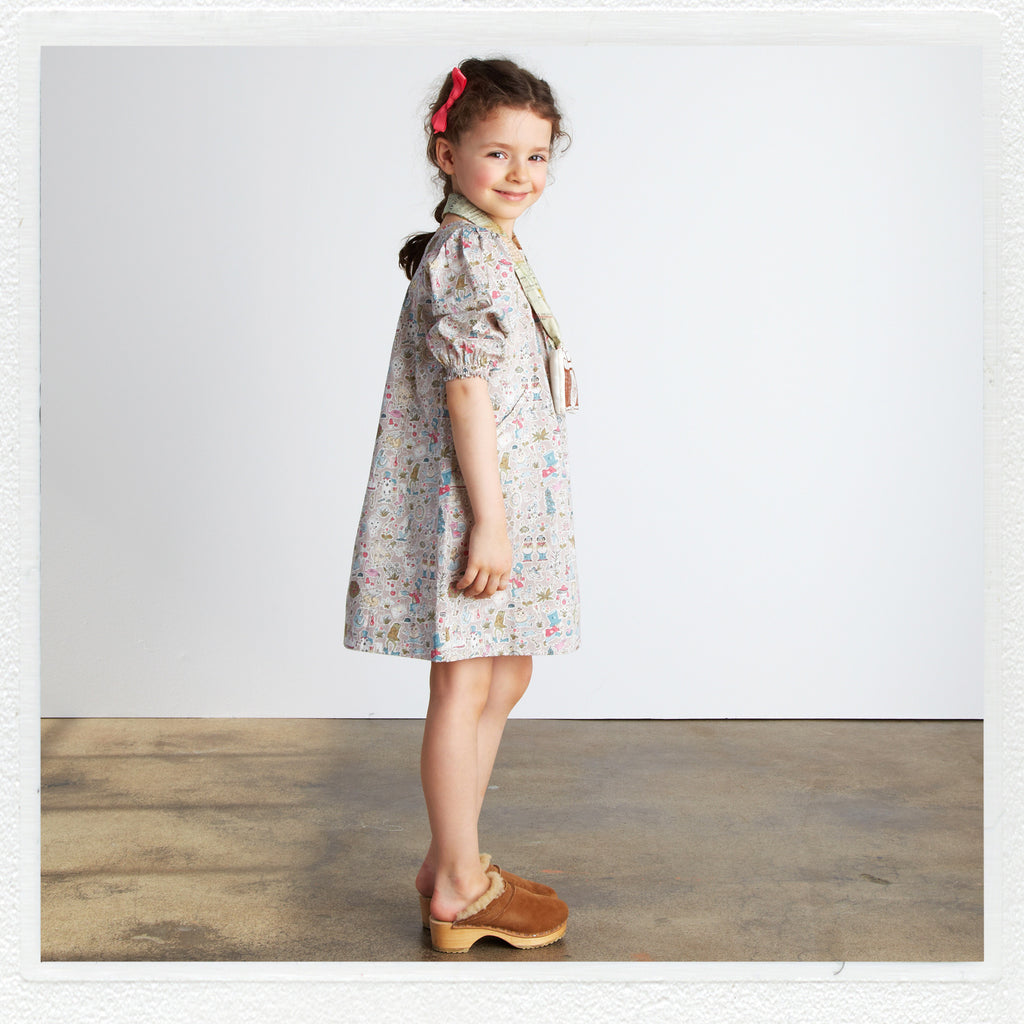 """Winnie"" Dress in Liberty Print ""Gollymoggers Reynard A"""