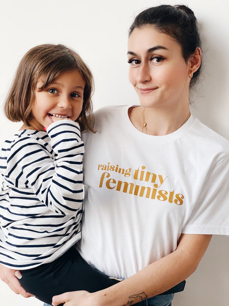 Raising Tiny Feminists T-shirt Weiß