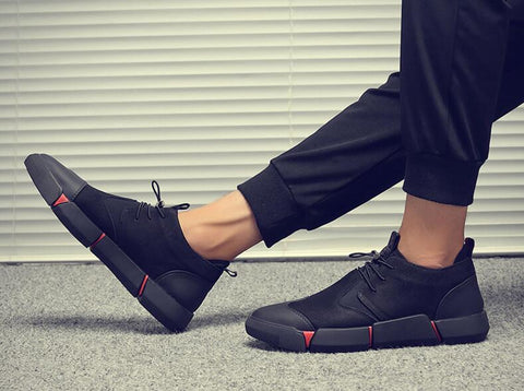 CLASSIC BLACK CITYWALK LEATHER SNEAKER