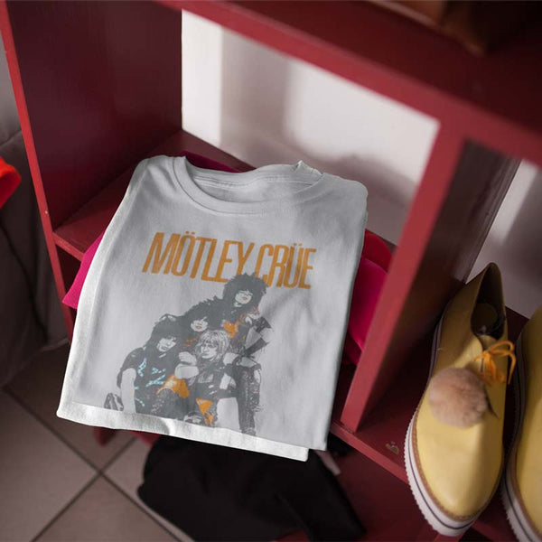 motley-crue-vintage-inspired-world-tour-1983-t-shirt-shelves