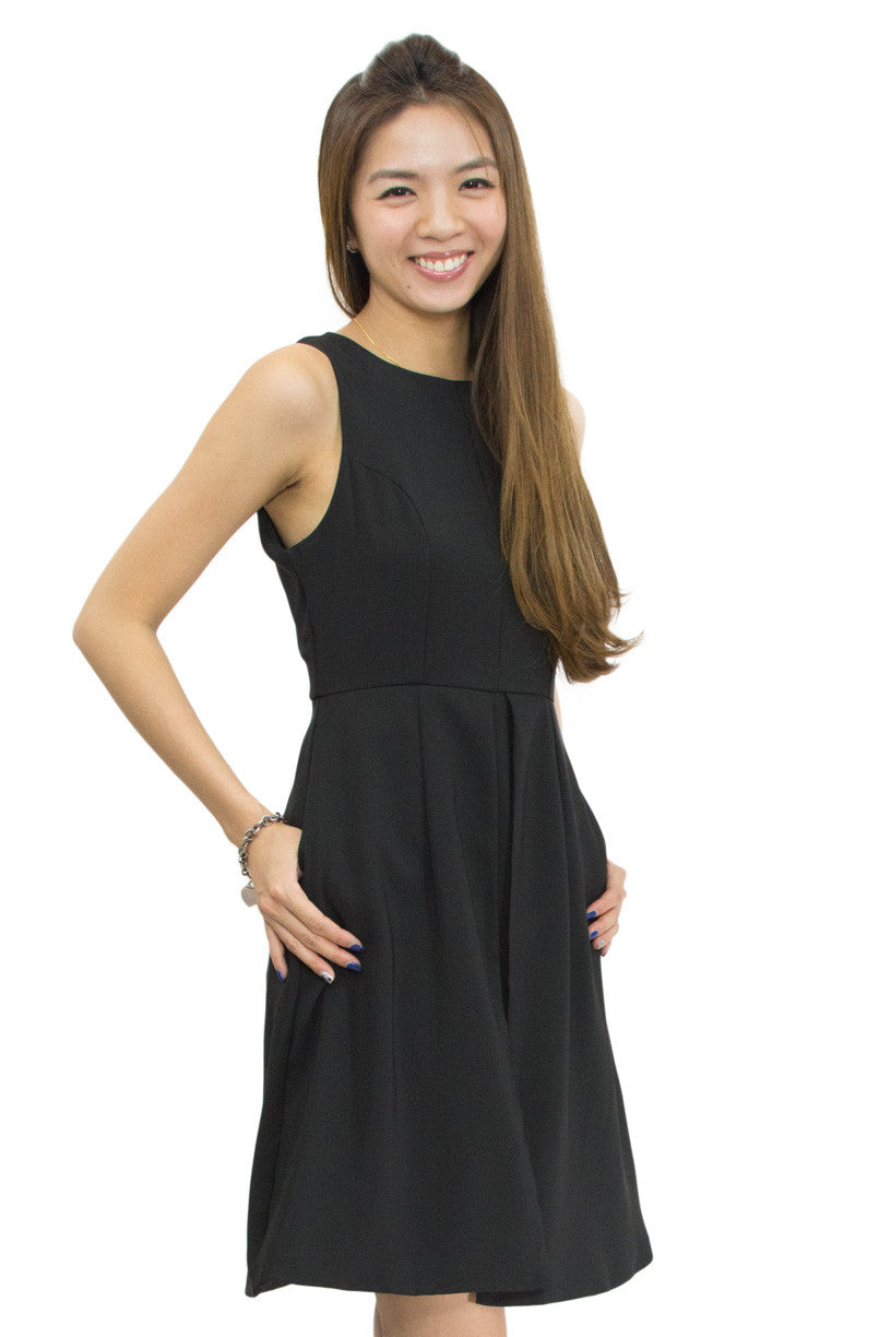 Kiffy Dress Black, Le Summer, side view