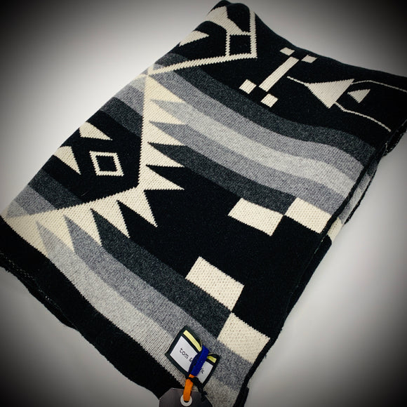 TOM & HAWK: NAVAJO BLANKET (BLACK & WHITE 1)