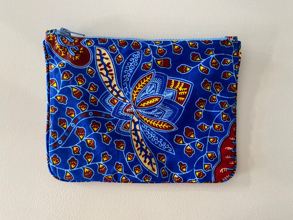 Playa pouch in Blue Lotus