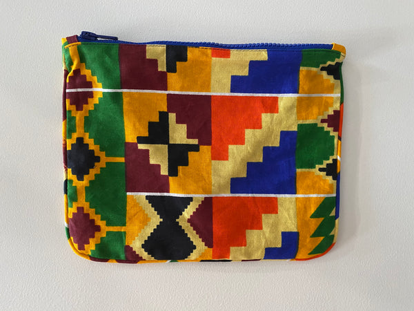 Playa pouch in Kente Multi