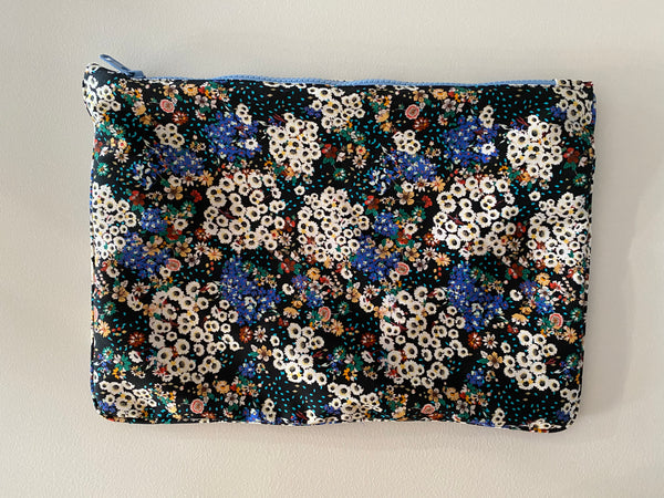 La Plage pouch in Ditzy Floral