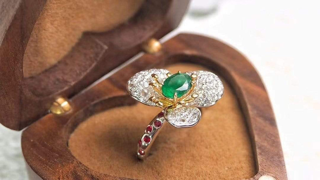 "Raneecoco Jewelry ""KARLOFEA"" Emerald Gold Ring with Diamonds G2011260015"