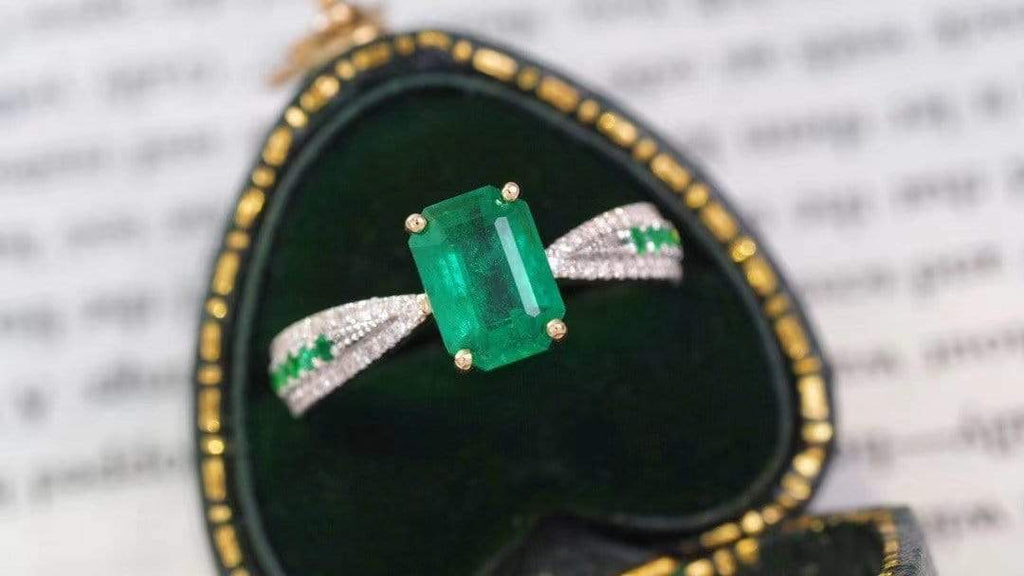 "Raneecoco Jewelry ""KARLOFEA"" Emerald Gold Ring with Diamonds G2103150163"