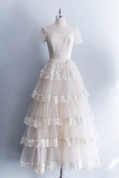 1950's Cream Lace and Tulle Gown - XS/S