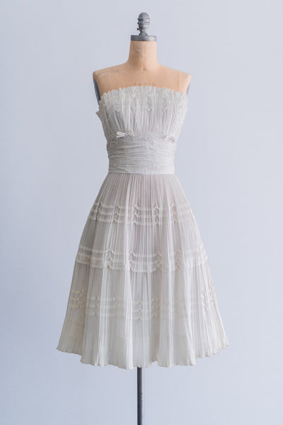 1950s White Pleated Cotton Dress - S/M