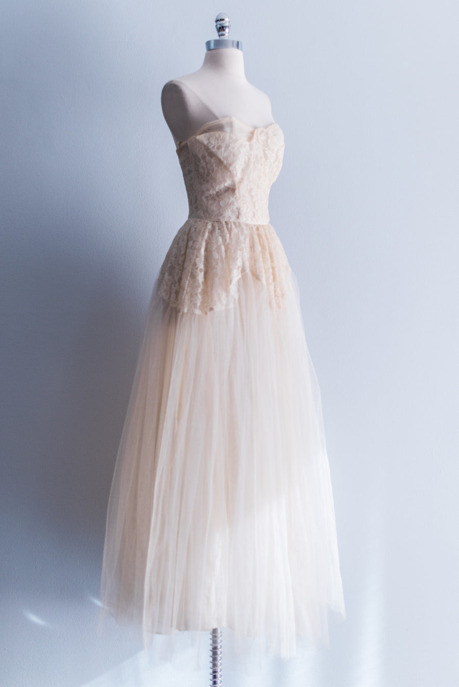 [SOLD] Scalloped Cream Lace and Tulle Gown (Full-Length)