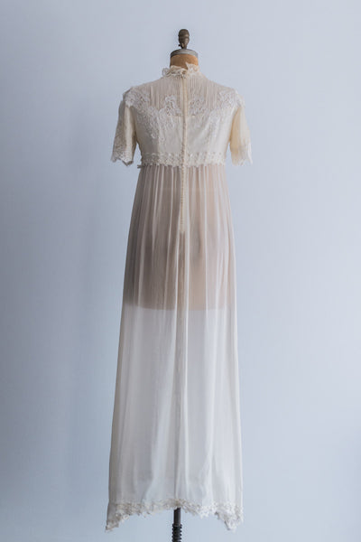 1960s Silk and Lace Wedding Gown - M/L