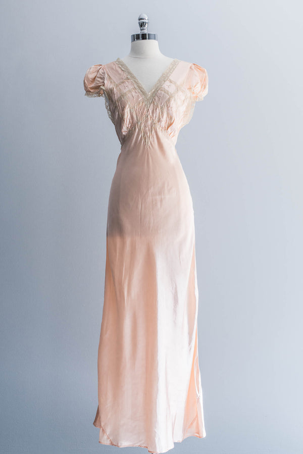 [SOLD] Peach Satin Cap Sleeve Nightgown