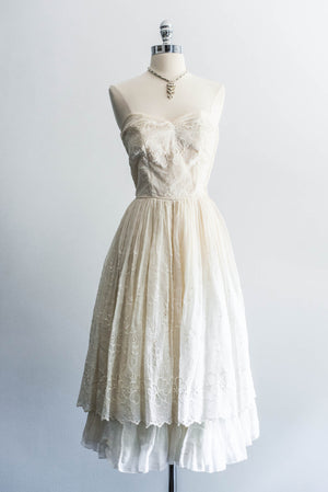 [SOLD] Cotton Muslin Embroidered Sweetheart Dress