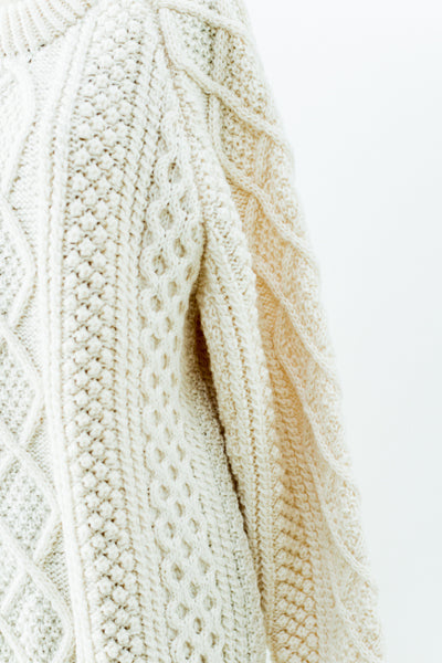 Vintage Wool Cable Knit Sweater with Raised Diamond Pattern - L
