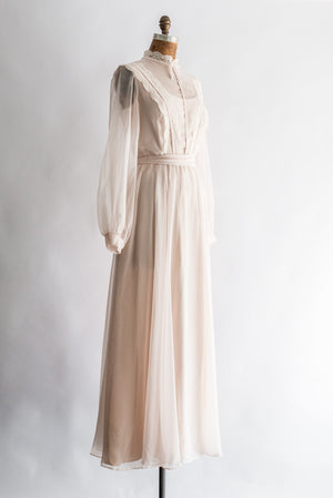 1970s Poet Sleeves Wedding Gown - S/M