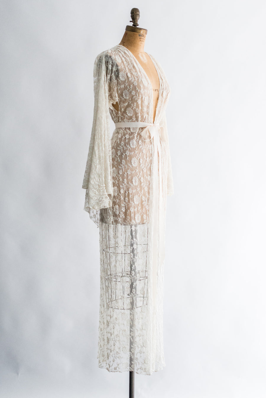 1930s Butterfly Sleeves Needle Lace Dressing Gown - One Size