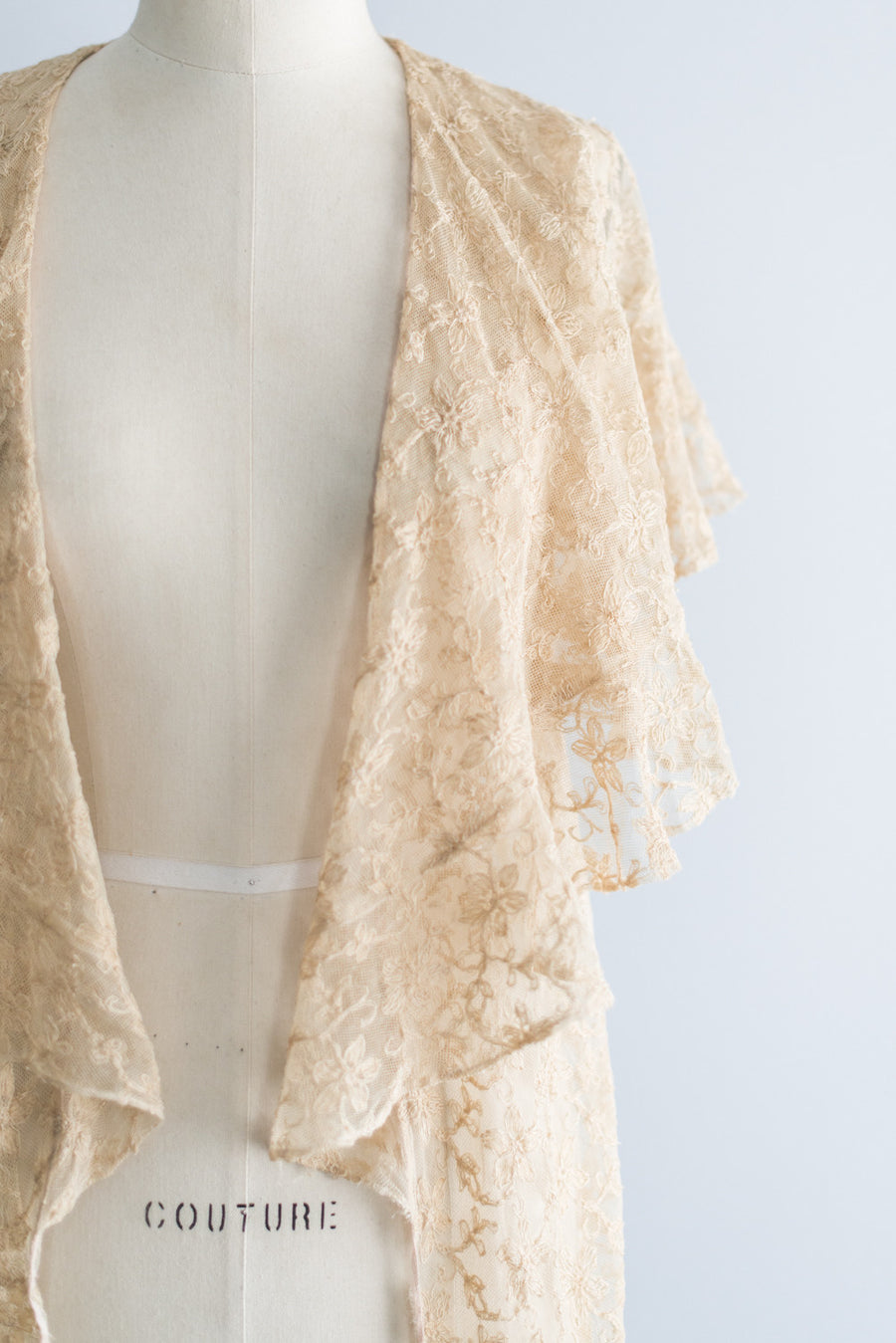 1930's Tea Lace Needle Point Peignoir - S