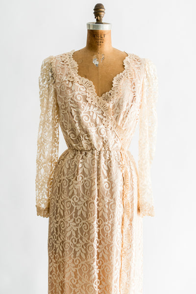 1980s Ecru Lace Wiggle Gown - S/M