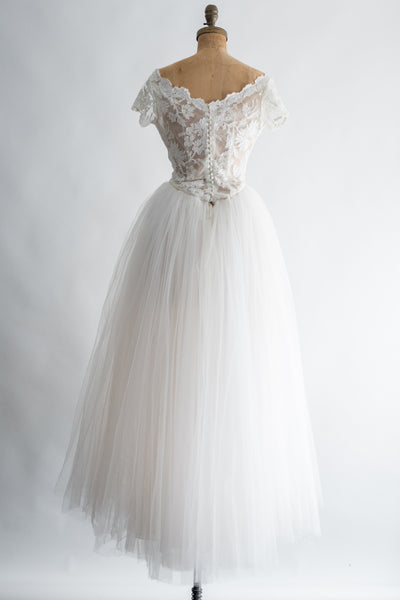 1950s Ivory Lace and Tulle Gown - S