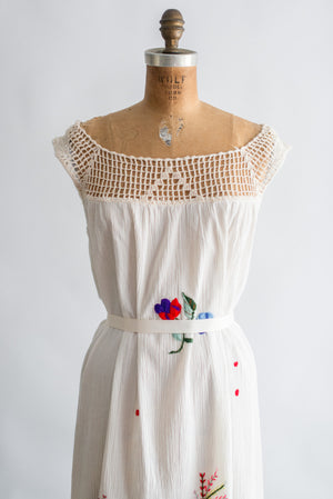 1970s Ecuadorean Embroidered Linen Dress - M/L