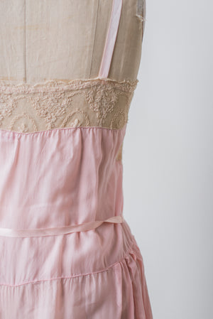 1920s Ecru Lace and Pink Silk Chiffon Step In - S