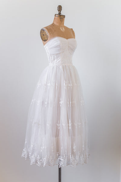 1950s Sweetheart Embroidered Lace Dress - S