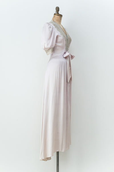 1940s Lavender Satin Dressing Gown - S/M