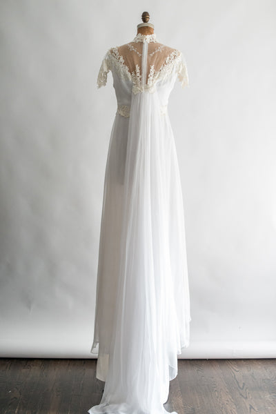1960s Chiffon and Lace Applique Gown - L