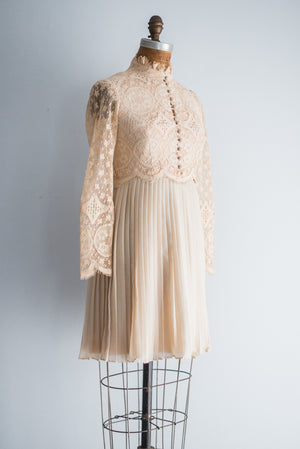 1960s Crochet Pleated Mini-Dress - S