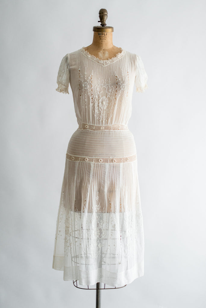 1920s Embroidered Pintucked Cotton Day Dress - XS/S   G O ...