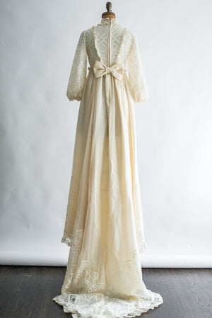 1970s Puffed Poet Sleeve High Neck Gown - XS/S