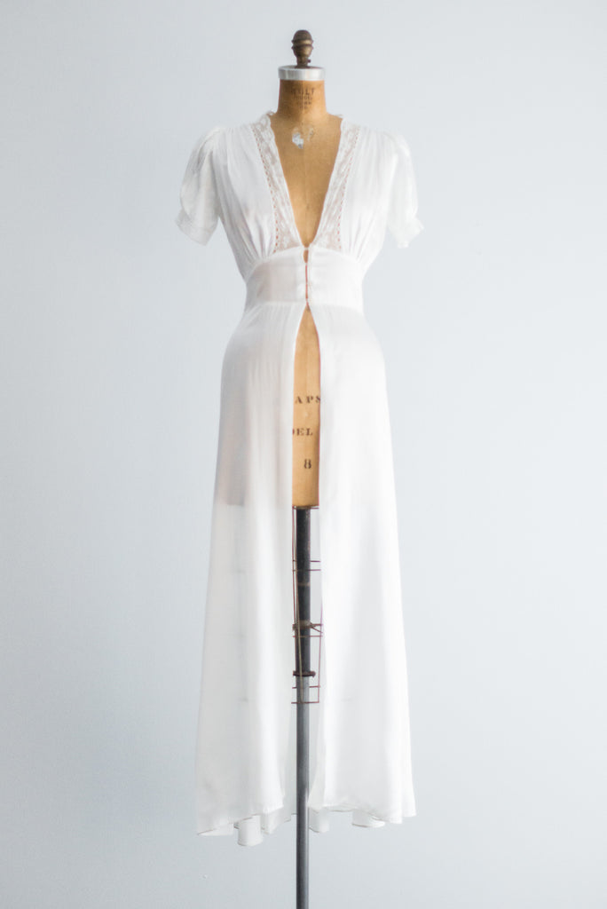 1940s White Satin Dressing Gown - S | G O S S A M E R