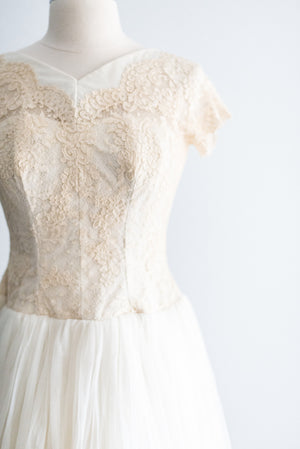 1950's Cream Lace and Net Gown - S