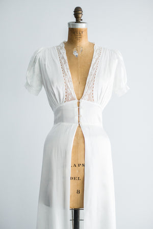 1940s White Satin Dressing Gown - S
