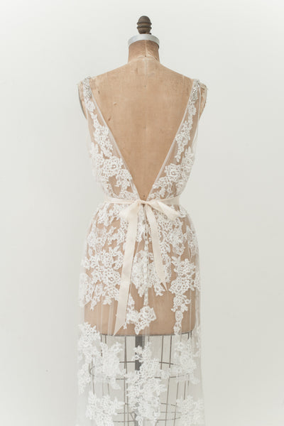 RENTAL Ivory V-Neck Lace Gown - S
