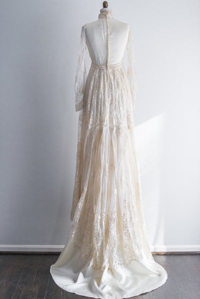 1950s William Cahill Embroidered Net Lace and Satin Gown - S/M