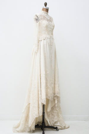 Vintage Lace Wedding Gown - S