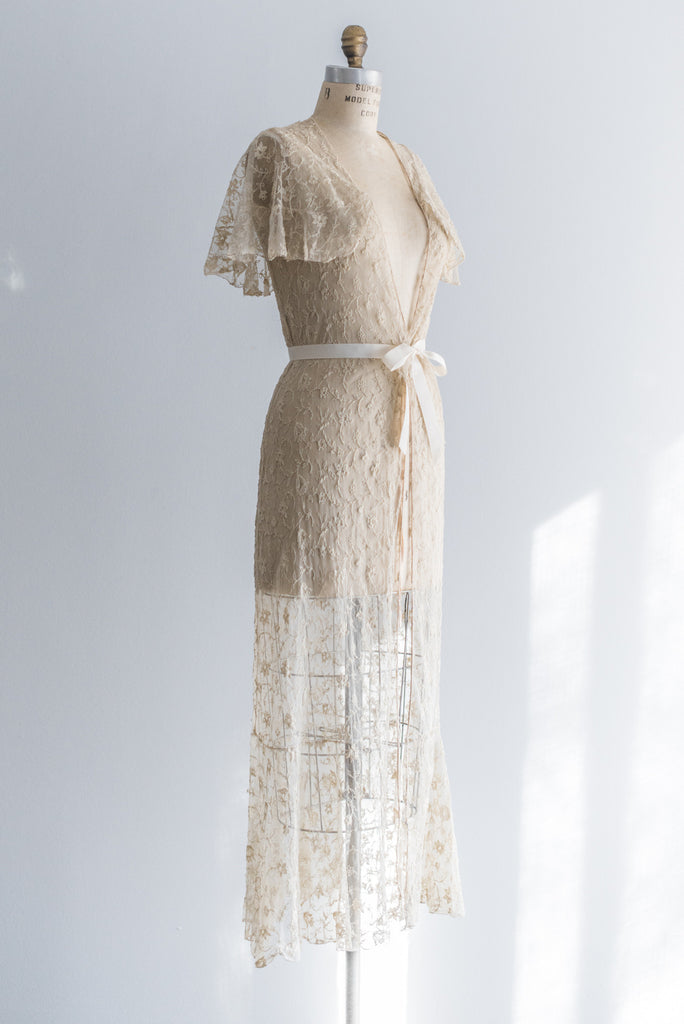 1930s Ecru Lace Needle Point Dressing Gown - S ...