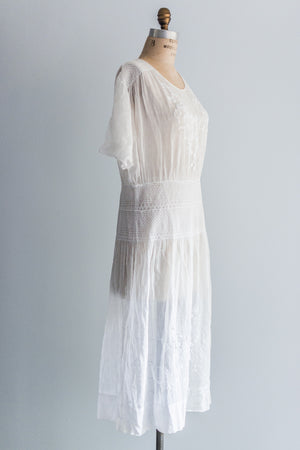 1920's Boho Embroidered Smocked Day Dress - M/L