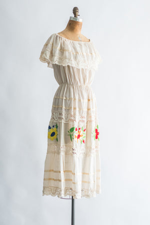 1970s Ecru Off the Cotton Floral Dress - M/L
