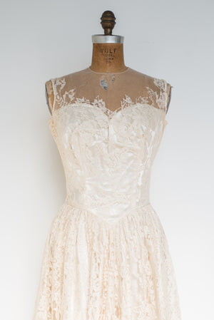 1950s Lace Illusion Neckline Gown - S/M