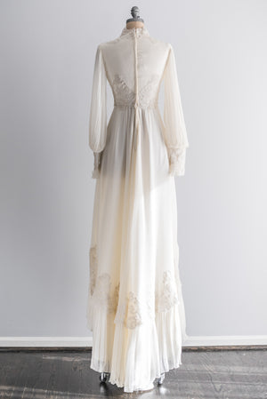 1970s Lace and Chiffon Poet Sleeves Wedding Gown - S