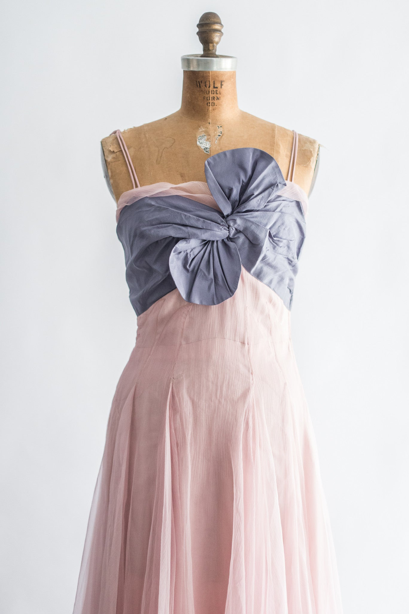 Direct Import Home Decor 1950s Pink Silk Layered Gown S G O S S A M E R