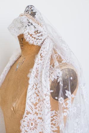 1950s Silk Lace Crown Veil - One Size