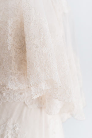 Alecon Lace Circle Veil - Elbow Length