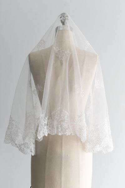 NOS Vintage Embroidered Alecon Lace and Tulle Mantila Veil