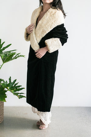 1920s Silk Velvet Opera Coat with Fur Collar and Sleeves - M
