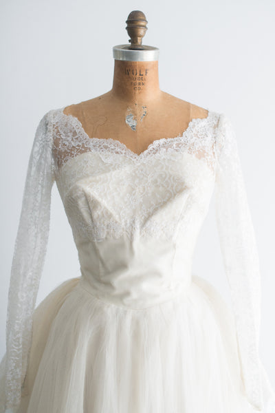 1950s Chantilly Lace and Tulle Gown - XS/S