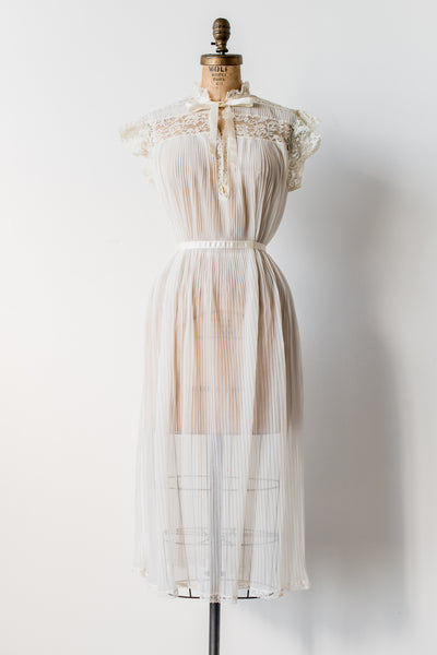 1950s Pleated Tricot Chiffon Robe - S/M