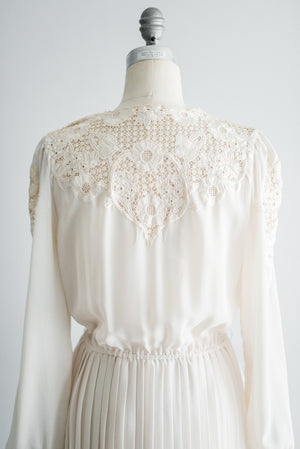1970s Embroidered Cutout Dress - S/M
